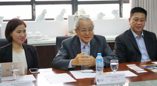 Mr. Chay Yee - Chairman of the Board of Coleman School - Singapore is exchanging