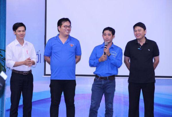 """Ban cán sự lớp """"Đ.c Phan Văn Hoàng – Bí thư Đoàn trường DNTU"""" (Lớp phó)"""