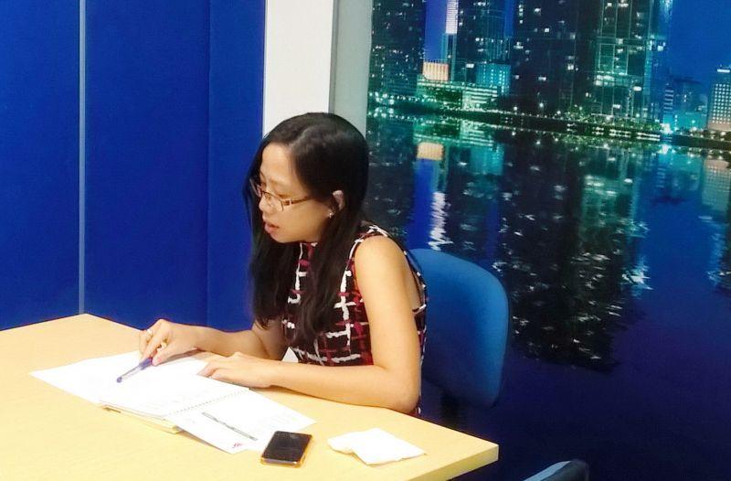 Bà Trương Lê Trúc Minh - Chuyên viên Nhân sự công ty Damco chia sẻ tại buổi làm việc