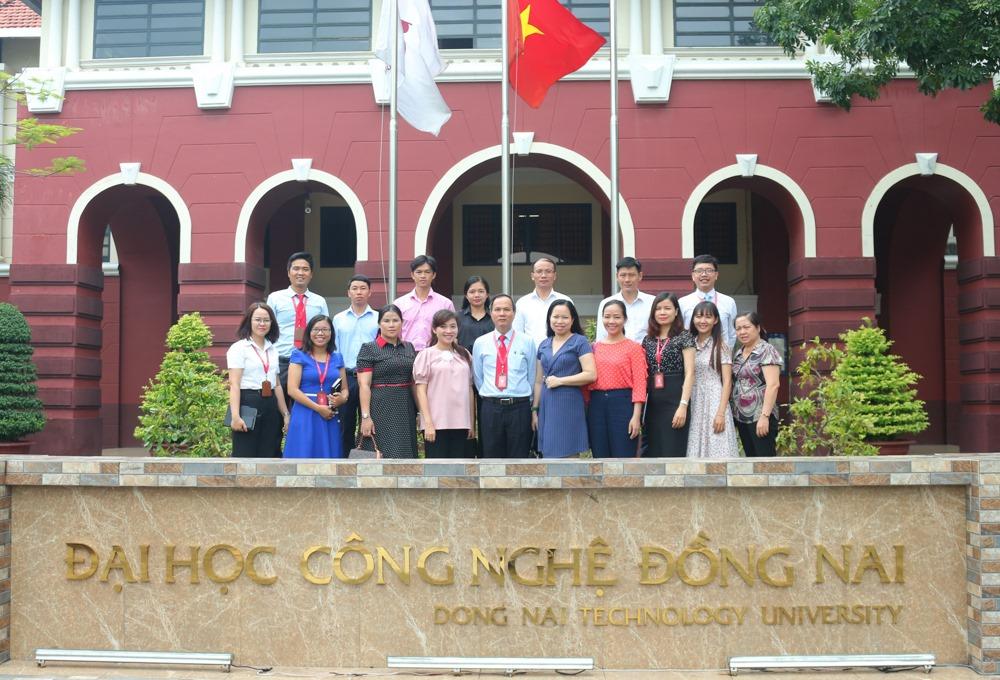 DNTU đón tiếp đoàn đại biểu tỉnh Đoàn Kon Tum đến thăm và làm việc