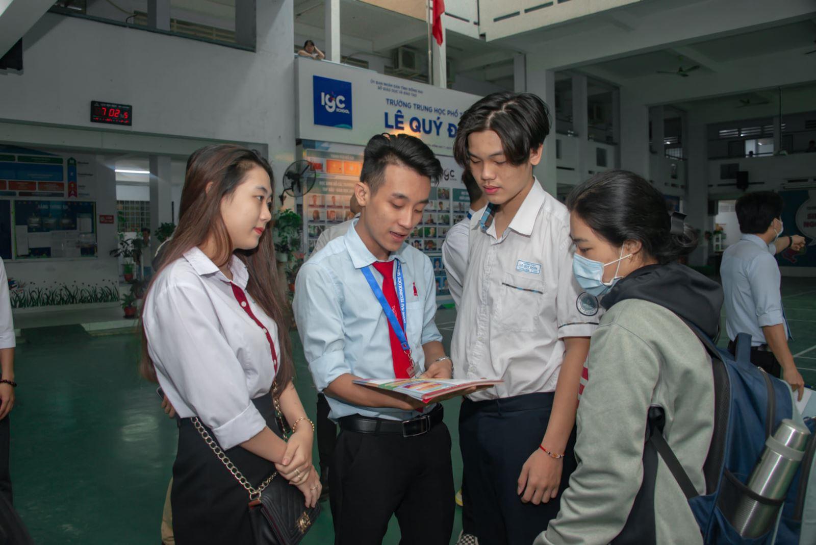 Bộ GD-ĐT công bố đề tham khảo kỳ thi tốt nghiệp THPT 2021