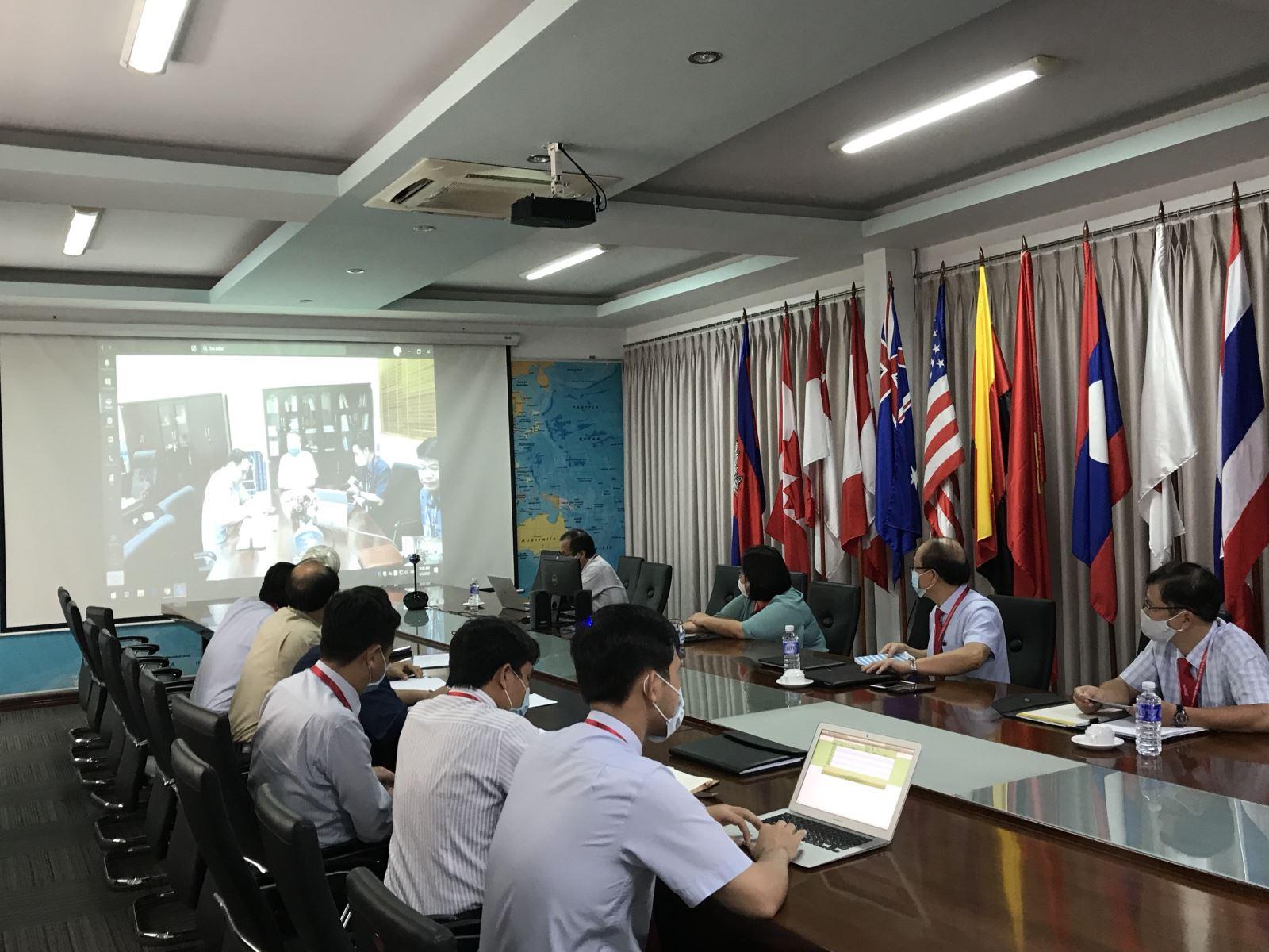 Trường Đại học Công nghệ Đồng Nai phối hợp với trường Đại học Mỏ - Địa chất triển khai đào tạo trực tuyến
