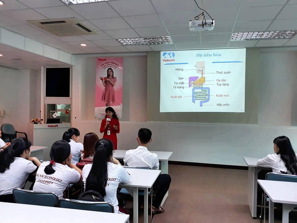 Sinh viên DNTU tham quan kiến tập thực tế tại doanh nghiệp Nhật Bản