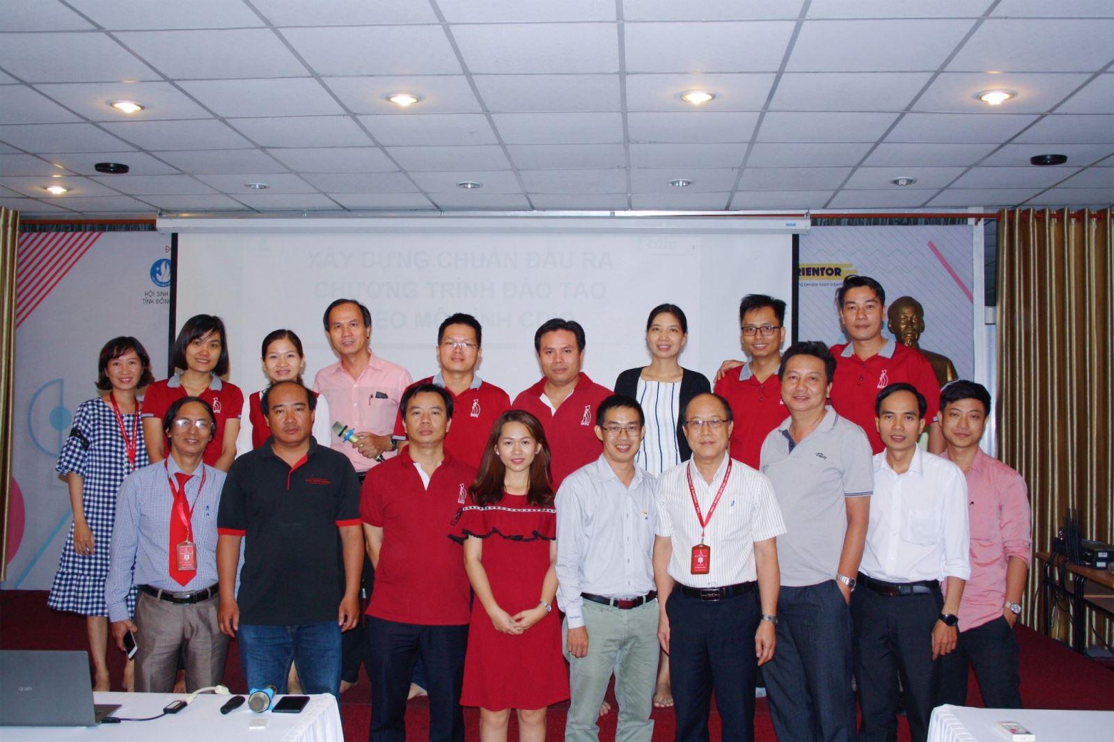 Trường Đại học Công Nghệ Đồng Nai tập huấn triển khai xây dựng chuẩn đầu ra chương trình đào tạo theo mô hình
