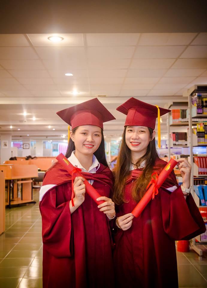 Tân cử nhân, tân kỹ sư háo hức chuẩn bị cho lễ khai giảng và lễ tốt nghiệp năm 2018.