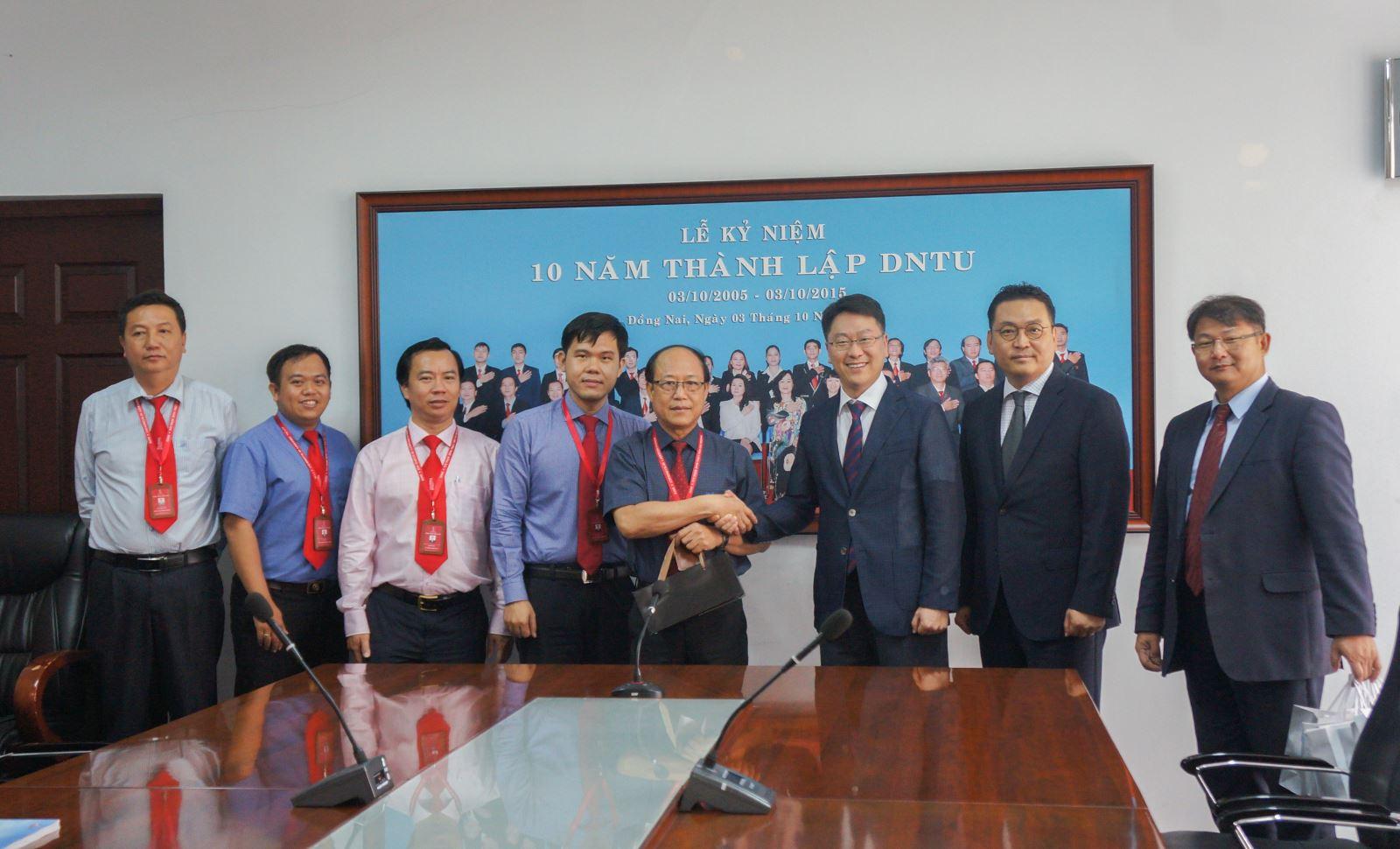 Trường Đại học Hoseo (Hàn Quốc) đến thăm và làm việc tại Trường Đại học Công nghệ Đồng Nai