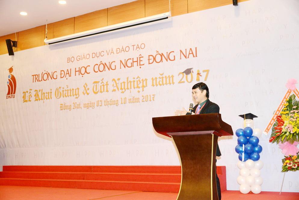 DNTU tổ chức lễ Khai giảng & Tốt nghiệp năm 2017