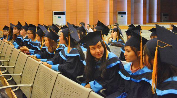 Hình ảnh lễ tốt nghiệp cho các tân Cử nhân ngành Điều dưỡng khóa 2013
