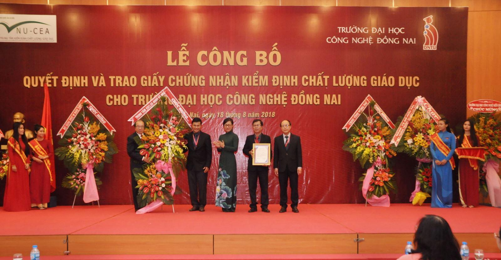 Trường Đại học Công Nghệ Đồng Nai công bố đạt chuẩn chất lượng giáo dục đạt tỷ lệ 83.6%