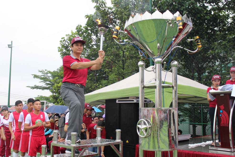 Đại học Công nghệ Đồng Nai khai mạc đại hội thể dục thể thao lần III năm 2017