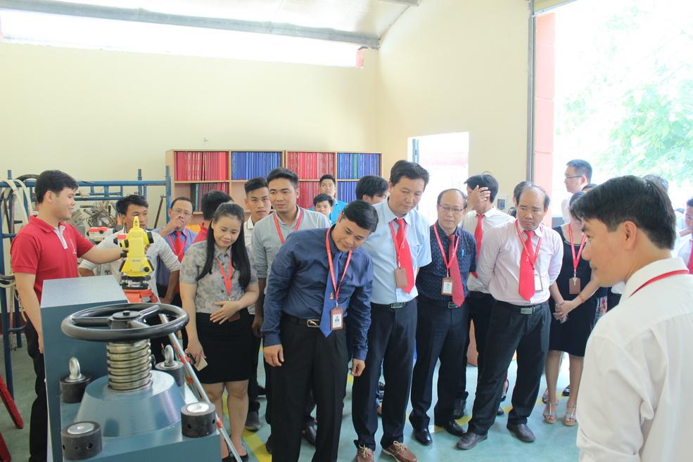 Khánh thành nhà xưởng do sinh viên tự xây