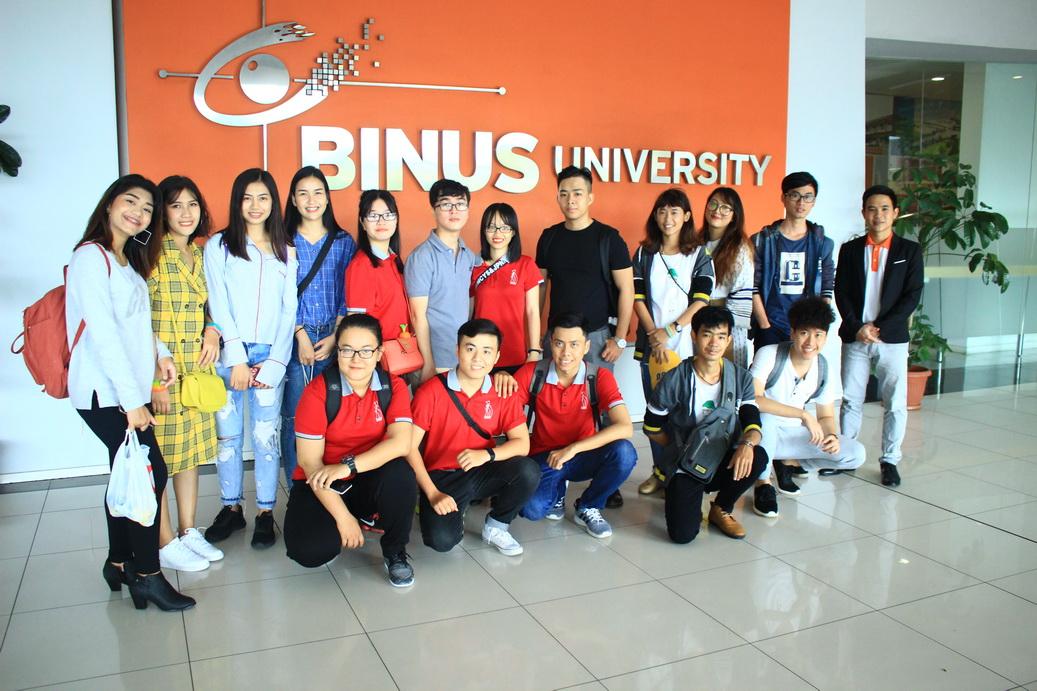 Sinh viên DNTU giao lưu và học tập tại đất nước Indonesia