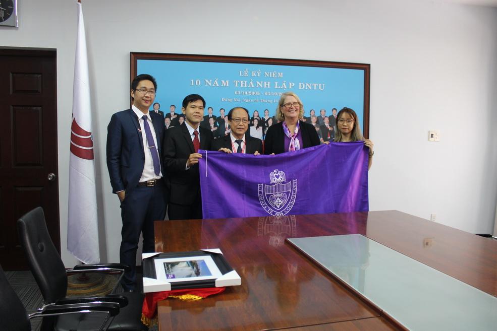 Trường Đại học Công nghệ Đồng Nai: Sôi động hợp tác quốc tế đầu năm mới