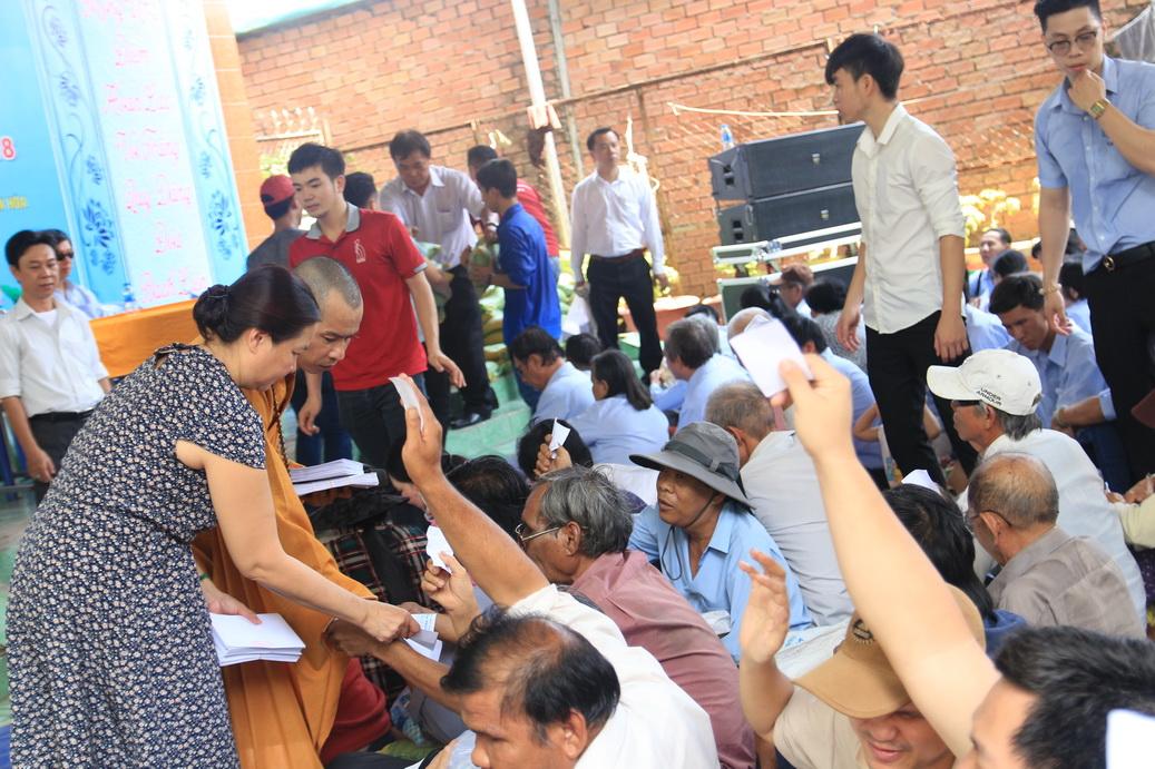DNTU hỗ trợ tặng 500 phần quà hỗ trợ bà con khiếm thị có hoàn cảnh khó khăn trong tỉnh Đồng Nai