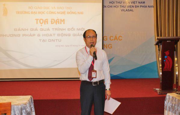 TS Trần Đức Thuận – P Hiệu trưởng nhà trường trao đổi ý kiến