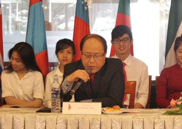 TS Trần Đức Thuận đang phát biểu ý kiến