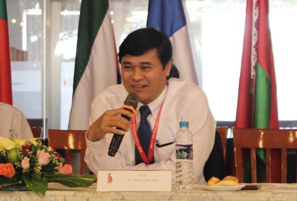 TS Phan Ngọc Sơn phát biểu trước lễ ký