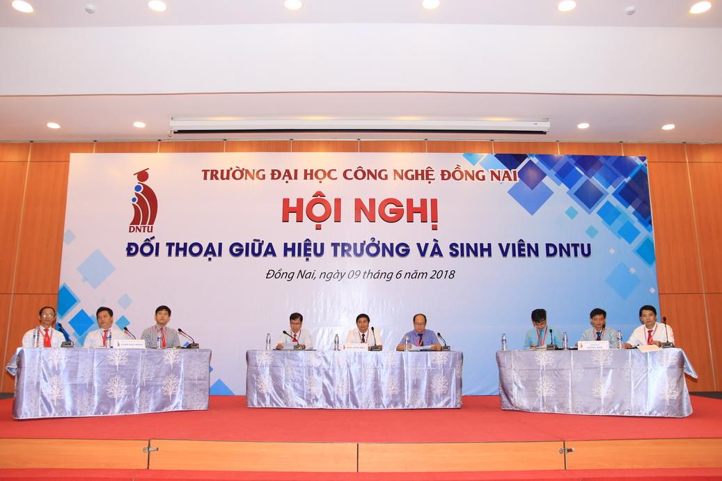 Hội nghị đối thoại giữa Hiệu trưởng và sinh viên DNTU 2018