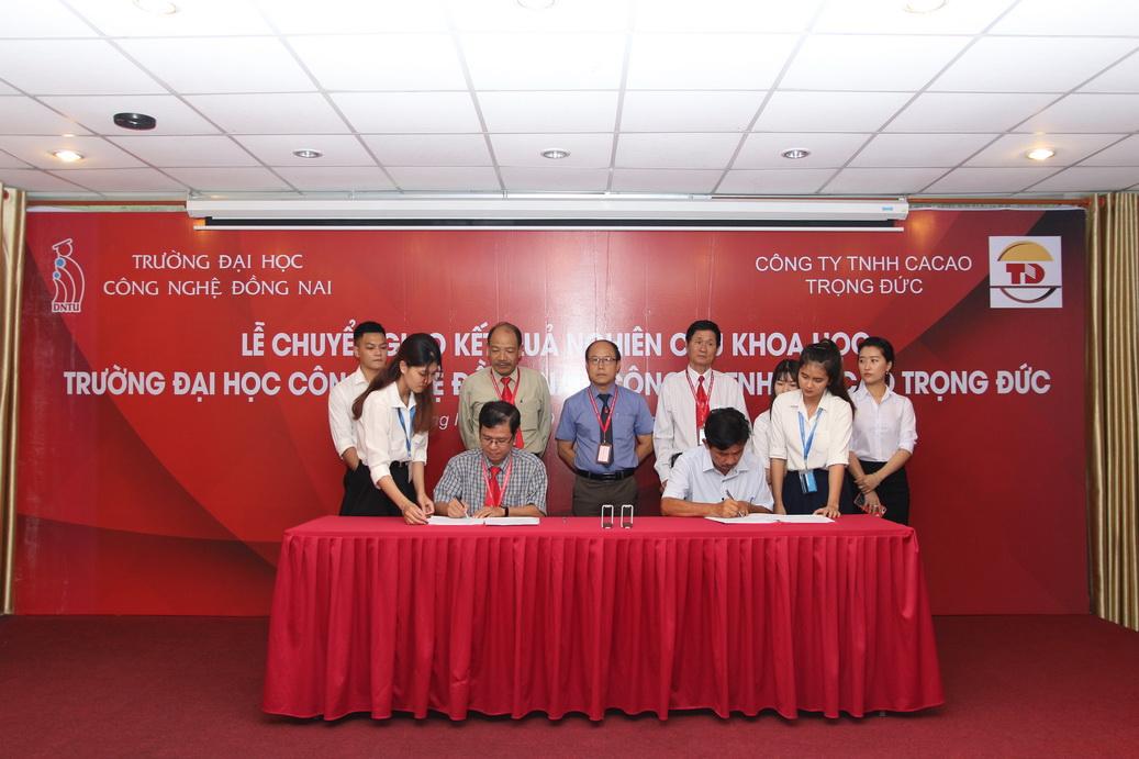 Hội nghị Khoa học sinh viên và lễ chuyển giao kết quả nghiên cứu khoa học cho doanh nghiệp