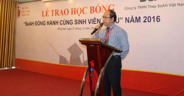 TS Trần Đức Thuận - Phó hiệu trưởng trường Đại học Công nghệ Đồng Nai phát biểu cám ơn