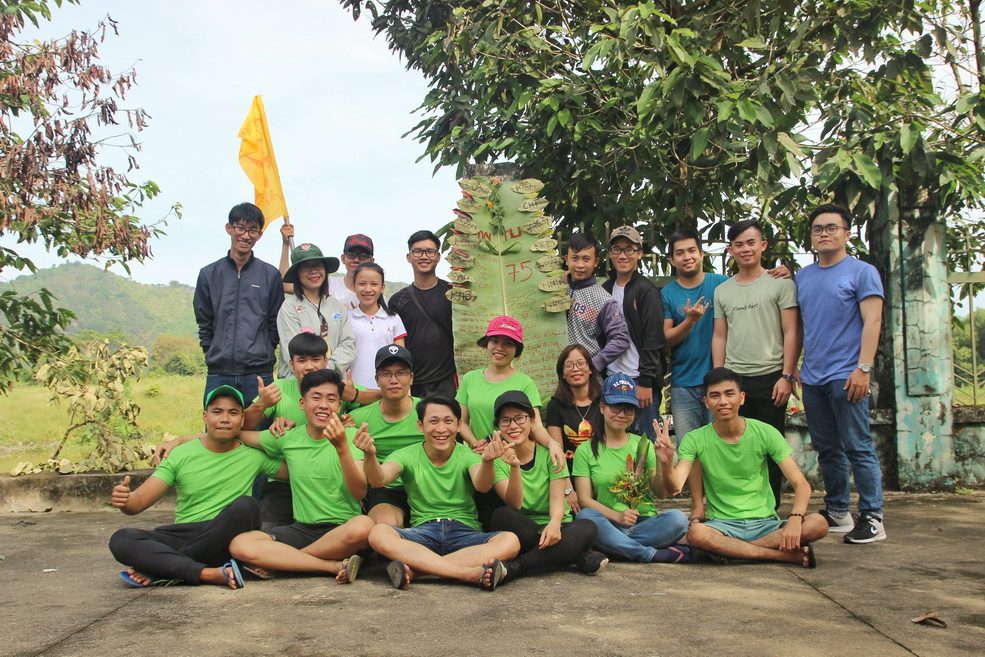 """Khoa kỹ năng tổ chức chương trình """"Festival of Skills"""" cho sinh viên tại khu du lịch Nam Cát Tiên"""