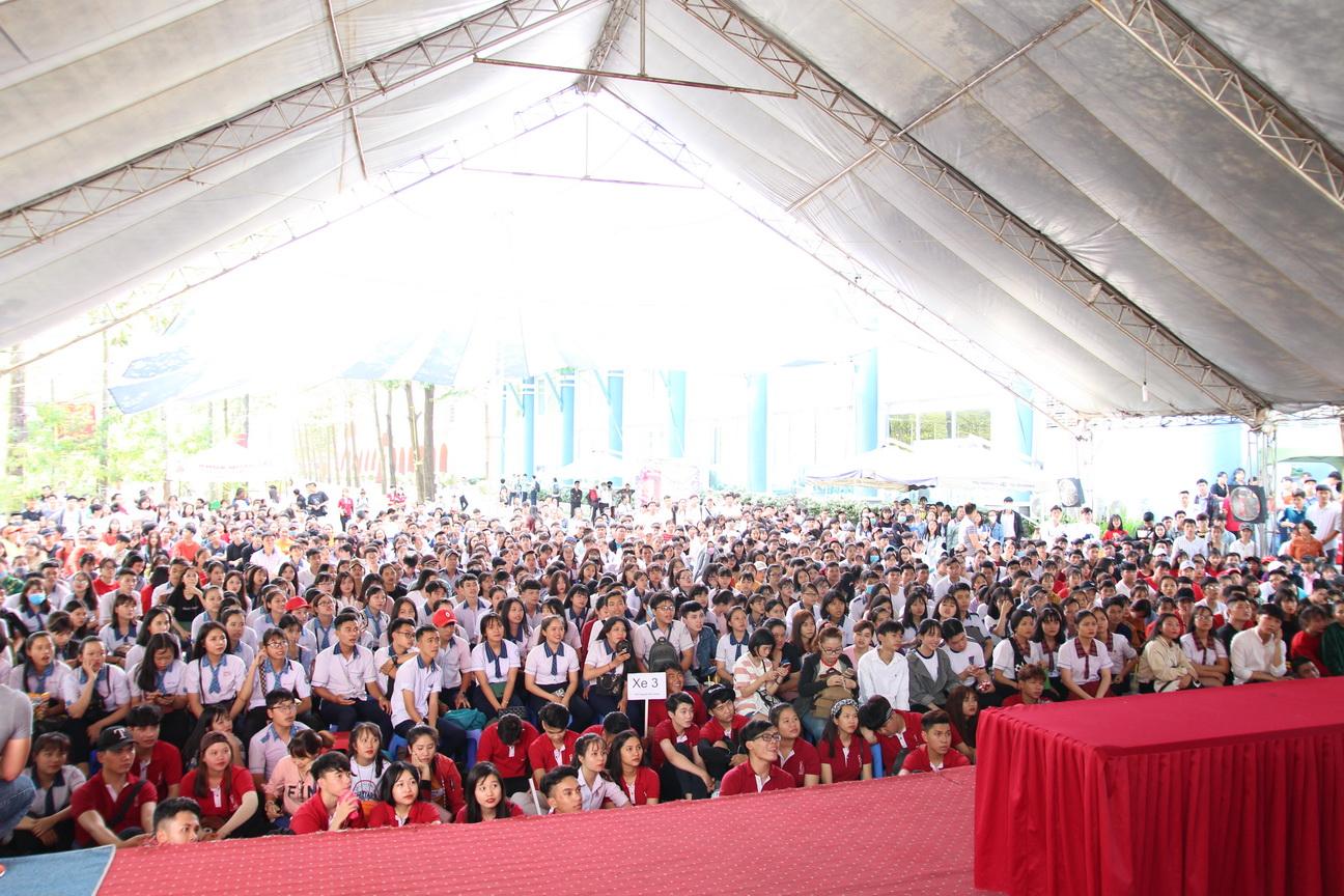 Rộn ràng công tác chào đón học sinh THPT trên địa bàn tỉnh Đồng Nai về tham dự DNTU OPEN DAY 2019