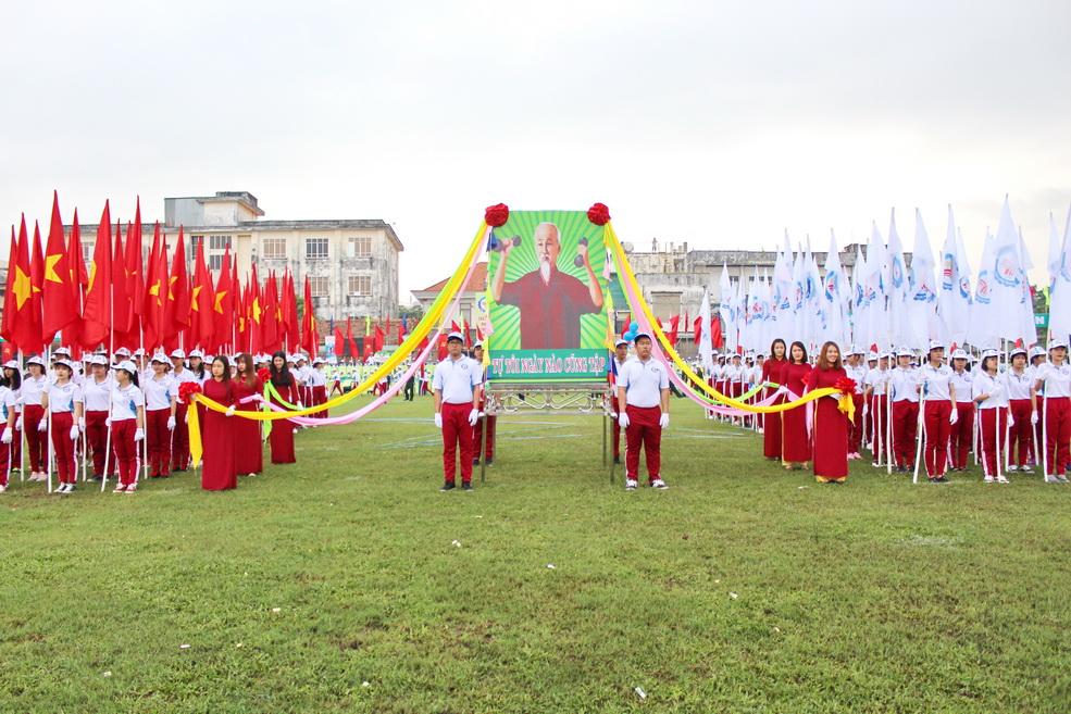 Lễ khai mạc Đại hội Thể dục Thể thao thành phố Biên Hòa lần thứ VIII năm 2017 với sự hỗ trợ từ phía DNTU
