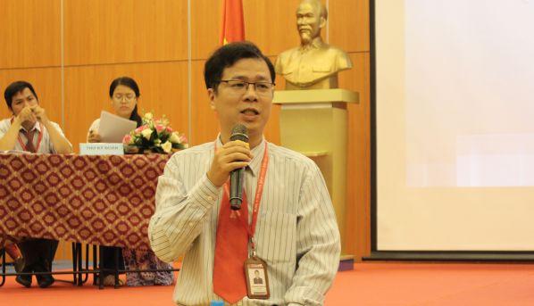 TS Đoàn mạnh Quỳnh góp ý cho báo cáo tổng kết và phương hướng nhiệm vụ