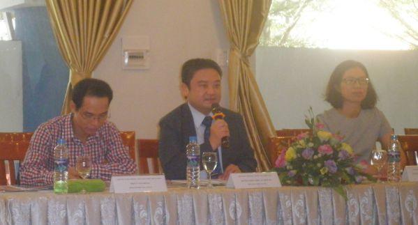 Ông Wu Hsun Yang - Trưởng phòng Hợp tác Quốc tế đại học Chi Nan phát biểu về du học Đài Loan