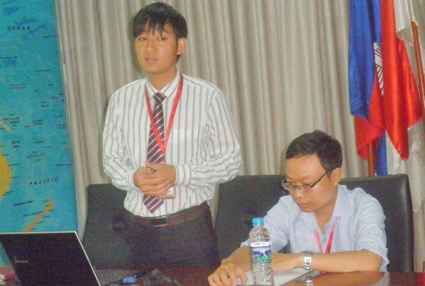 ThS Nguyễn Sỹ Hải trình bày chương trình đào tạo của nhà trường trong tọa đàm