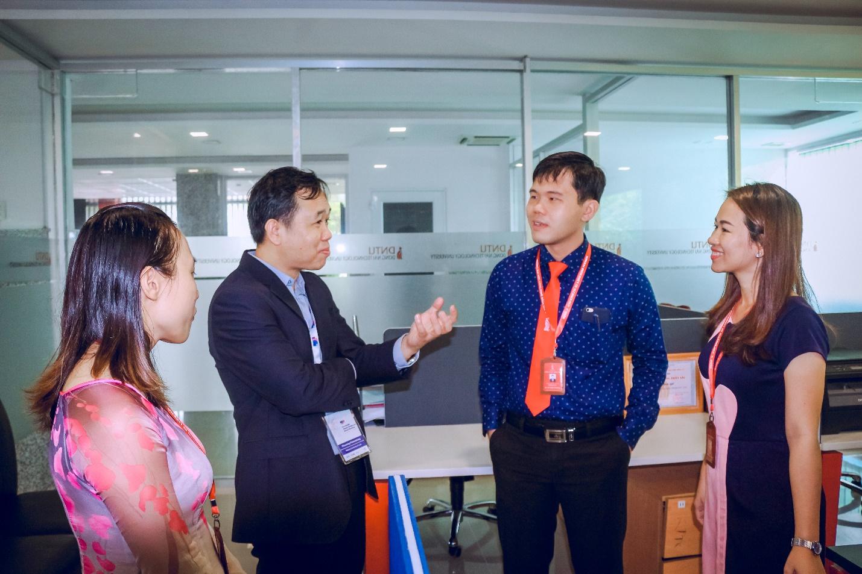 Trường Đại học Quốc gia Lào đến thăm và trao đổi hợp tác với Trường Đại học Công nghệ Đồng Nai