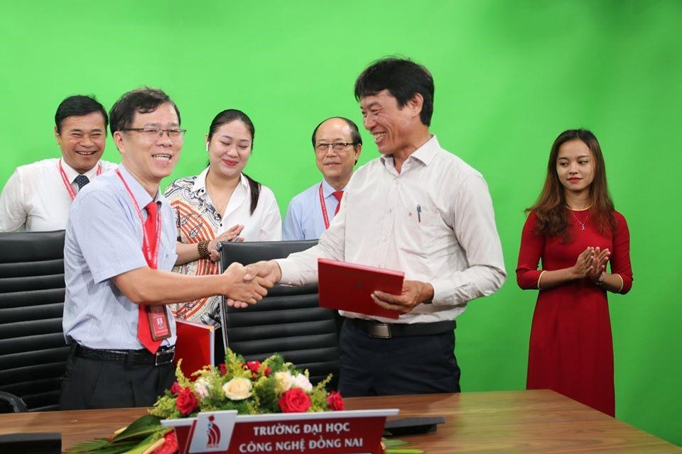 Lễ ký hợp đồng và Khởi công nâng cấp Trung tâm Thông tin - Thư viện DNTU