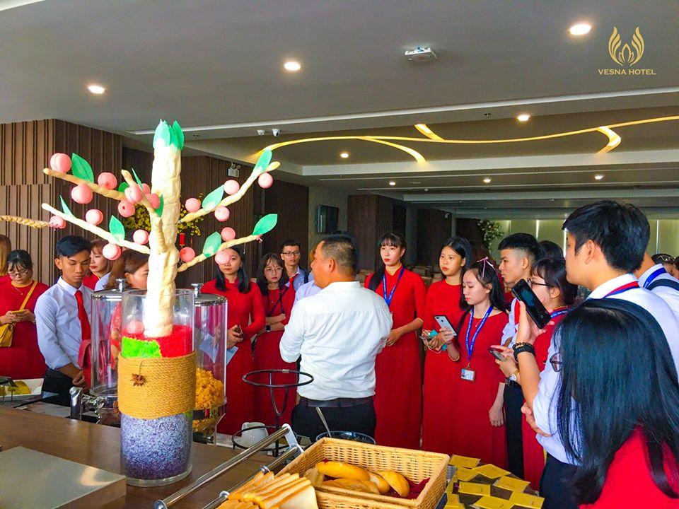 Sinh viên chuyên ngành Quản trị DV Du lịch Lữ hành và Quản trị Khách sạn thực tập tour Nha Trang - Đà Lạt