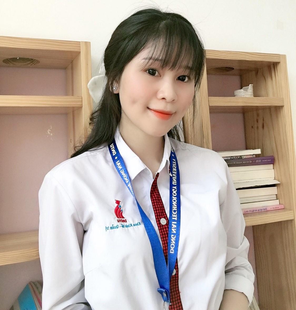 """DNTU: Phạm Thị Hồng Mai – 18DKT2 – """"Ngành Kế toán"""" những con số biết nói"""