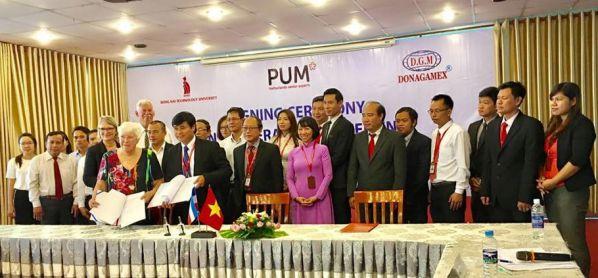 Lễ ký kết hợp tác giữa chuyên gia PUM Hà Lan và DNTU