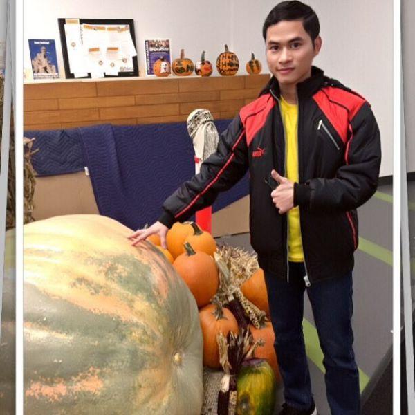 Tham gia lễ Halloween trong trường