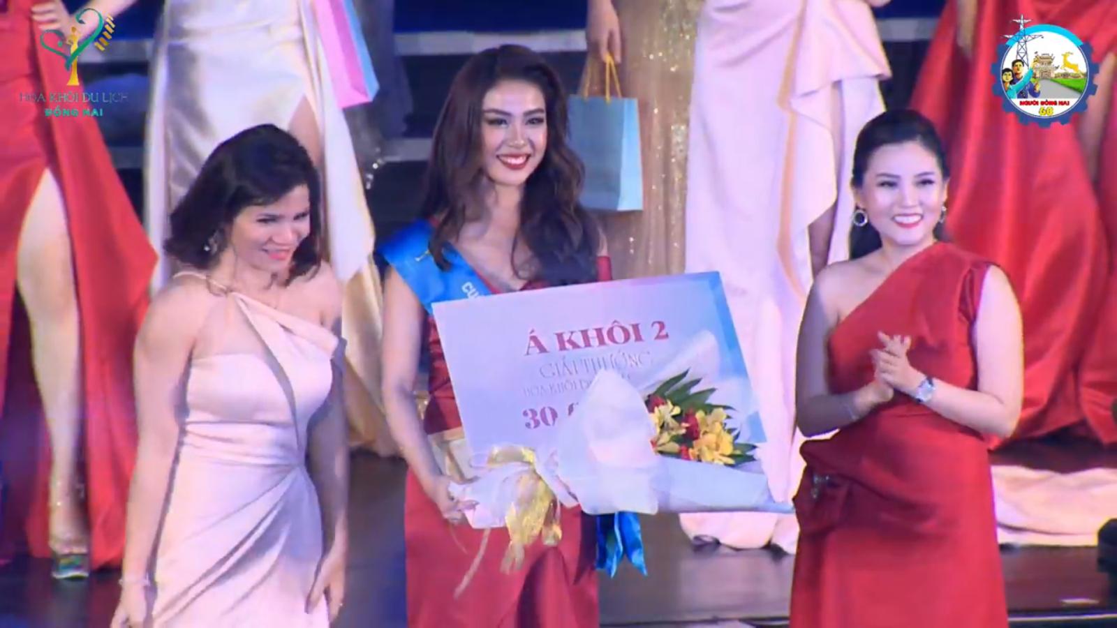 """Sinh viên Trường Đại học Công nghệ Đồng Nai đoạt danh hiệu """"Á Khôi 2"""" tại cuộc thi """"Hoa khôi Du lịch Đồng Nai 2019"""""""