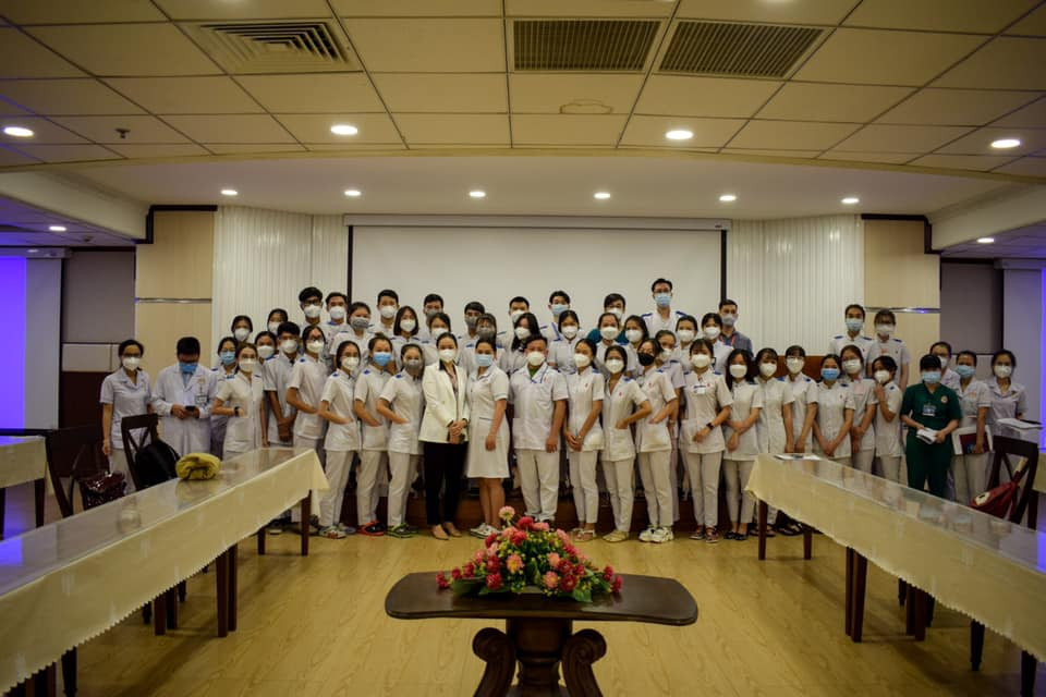 Đoàn sinh viên thực tập ngành Điều dưỡng và Kỹ thuật xét nghiệm y học (Khóa 14), DNTU thực tập tại bệnh viện Đại học Y dược Shing Mark